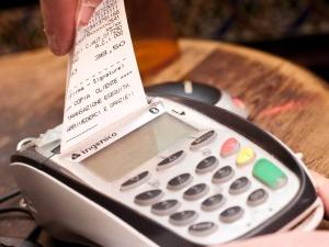 Pagamenti POS: stop alle multe per chi non accetta carte