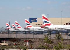 Sicurezza aeroporti: smartphone scarico? Si rimane a terra