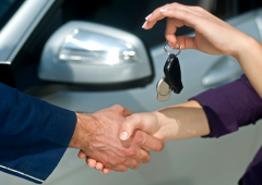Vacanze: il segreto per risparmiare quando si noleggia un'auto