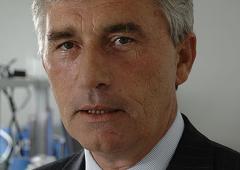 Ajani: il miliardario dei farmaci scappato a fare fortuna in Svizzera