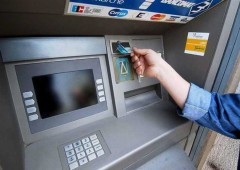 Bail-in e nuovi costi per correntisti. E ora spunta anche tassa sul Bancomat