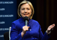 Clinton prende almeno 200mila dollari a intervento