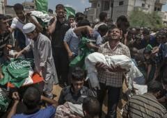 Bombardati ospedali e uccisi altri bambini a Gaza: è guerra aperta