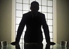 L'identikit del capo d'azienda? Uomo, 54 anni, laureato in economia