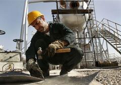 Petrolio, Putin bypassa l'occidente: intesa da 20 miliardi con Iran