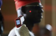 Ebola: a Madrid muore un prete, bilancio vittime supera 1000
