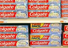 Colgate nella bufera: nel dentifricio sostanza chimica cancerogena