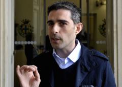 Pizzarotti scarica Grillo: serve un'opposizione diversa