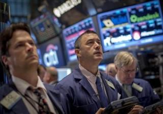 Borse e Bond pagano il prezzo dell'esperimento pericoloso delle banche centrali