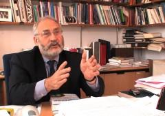 Il Premio Nobel in Economia Stiglitz dà lezione alla Camera dei Deputati su crisi euro