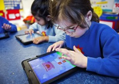 "Steve Jobs era papà low-tech: ""Niente iPad per i miei figli"""