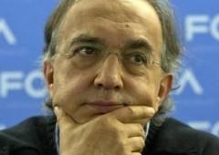 Borsa Milano chiude in calo, Luxottica fino a -10%