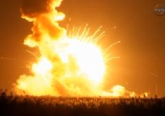Nasa, razzo cargo esplode in aria