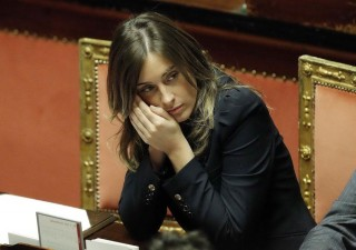 Boschi a Pisa, fischi da risparmiatori e studenti (VIDEO)