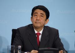 Giappone, Abe fallirà: S&P valuta declassamento