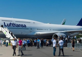 Lufthansa negozia prestito da 9 miliardi: