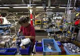 Francia: economia stagnante, produzione industriale ancora giù