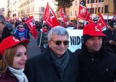 Art. 18, scontri durante proteste contro governo e austerità