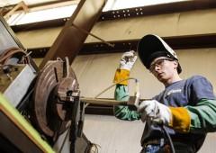 Altro che laurea: fare lavori manuali frutta anche $140 mila l'anno