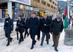 Renzi da Davos conferma che suo sarà governo delle banche