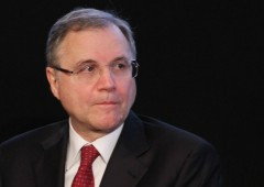 Visco conferma: QE può andare avanti all'infinito