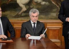 Renzi ha dettato a Gentiloni linea su vertici Eni, Enel e Poste