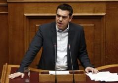 Tsipras parla di rinegoziazione debito e mercati calano