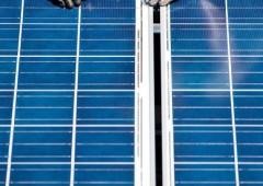 Il calo del prezzo del greggio non fermerà l'ascesa del fotovoltaico