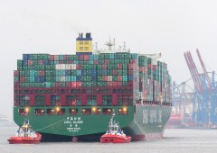 Commercio internazionale in frenata, l'alert di Maersk