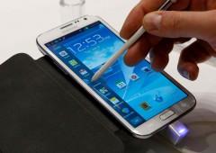 """Samsung in """"recessione"""": Galaxy va male, stipendi congelati nel 2015"""