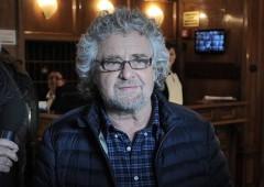 """Grillo apre al dialogo e attacca Pd: """"cambi rotta, verso democrazia"""""""