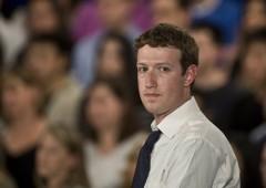 Facebook: Zuckerberg al Congresso, titolo a picco. La numero due rischia