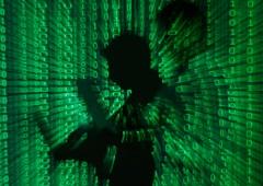 Falla Google e Apple, milioni di utenti a rischio attacco informatico