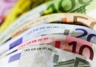 Regalare 200 euro al mese per far ripartire la crescita? Ecco cosa farebbero i risparmiatori