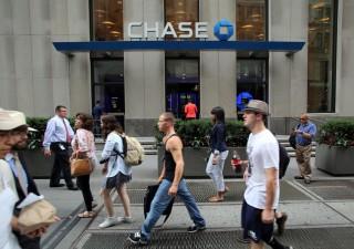 Via libera Fed, banche ricoprono azionisti d'oro