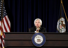 Wall Street in rosso si allontana dai record, pesa biotech