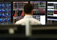 Europa mette Usa nel mirino: attivi in gestione balzano +15%