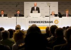 Commerzbank vara aumento di capitale a sorpresa, titolo -5%