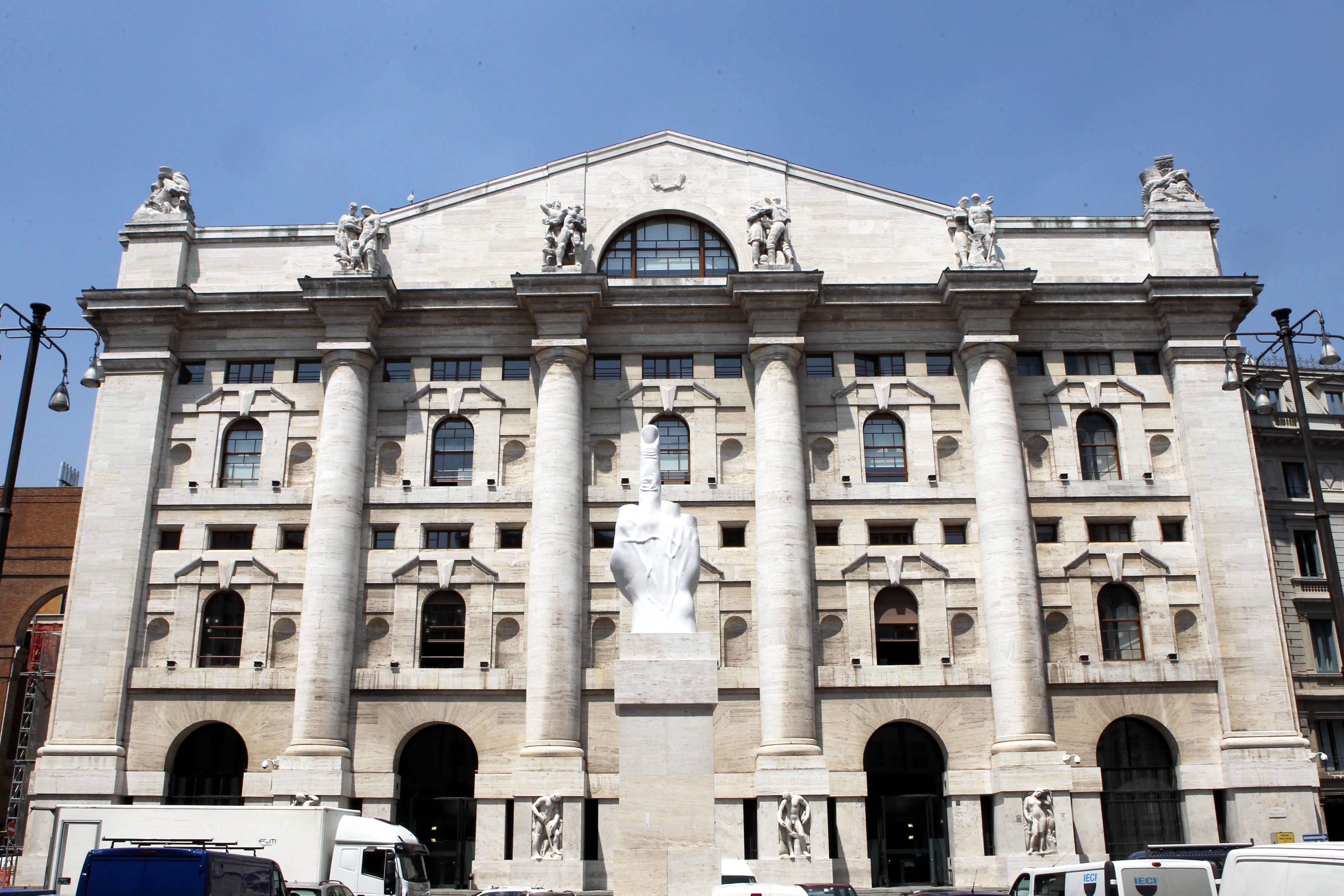 Borsa milano con mediaset va di scena la battaglia for Mercati oggi a milano