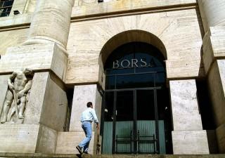 Borsa Milano in laterale, i titoli da comprare e vendere