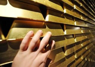 Borsa Milano nervosa. Boom richieste oro, forte avversione rischio