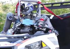 Italiani creano robot che può guidare auto