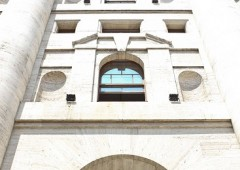 Borse europee miste, accordo Grecia in bilico. Bene Milano