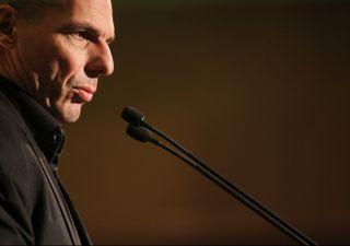 Varoufakis: Renzi, chiedere più flessibilità a Europa è idea stupida