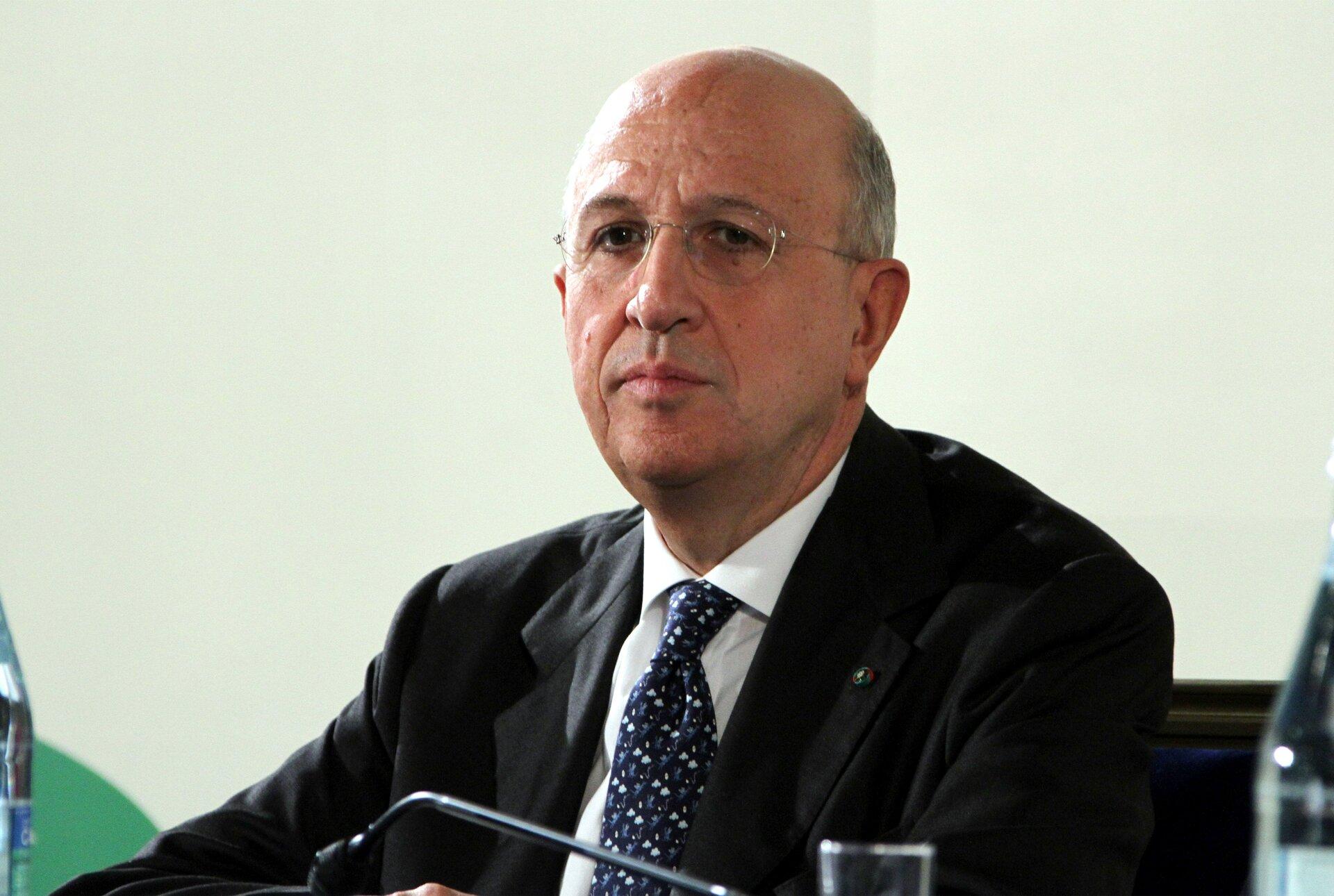 Quot Tedeschi Salvano Banche Con Soldi Pubblici Italia Non