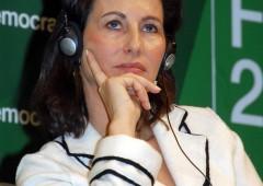 """Boicottate la Nutella"", Ségolène Royal insultata su Twitter"