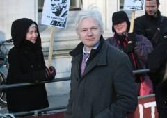 """Assange: """"Questa è l'ultima generazione libera"""""""