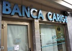 Banca Carige si salva da sola: arginata corsa sportelli