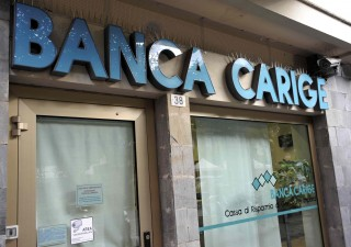 Banca Carige a rischio crac: Padoan fissa ultimatum