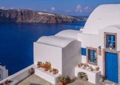 """Grecia in svendita, """"visti d'oro"""" agli stranieri in cambio di acquisti immobiliari"""